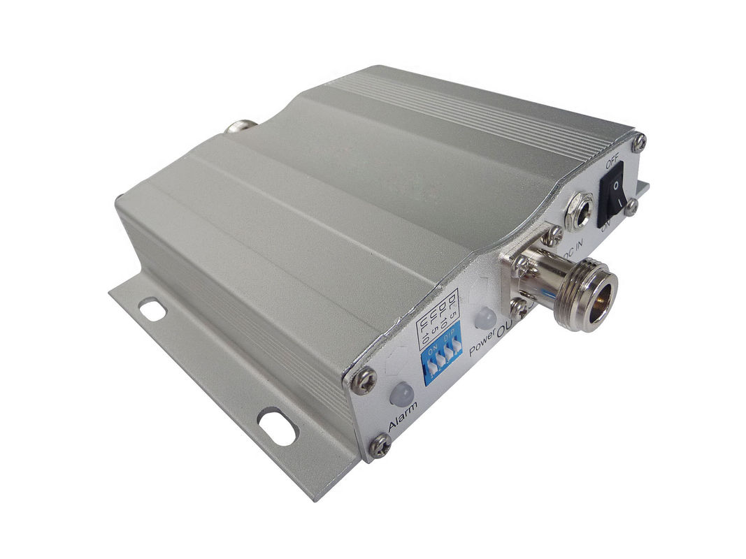 900MHz Pico Gsm Signal Repeater 50dB Gain Metal Housing With AGC Function